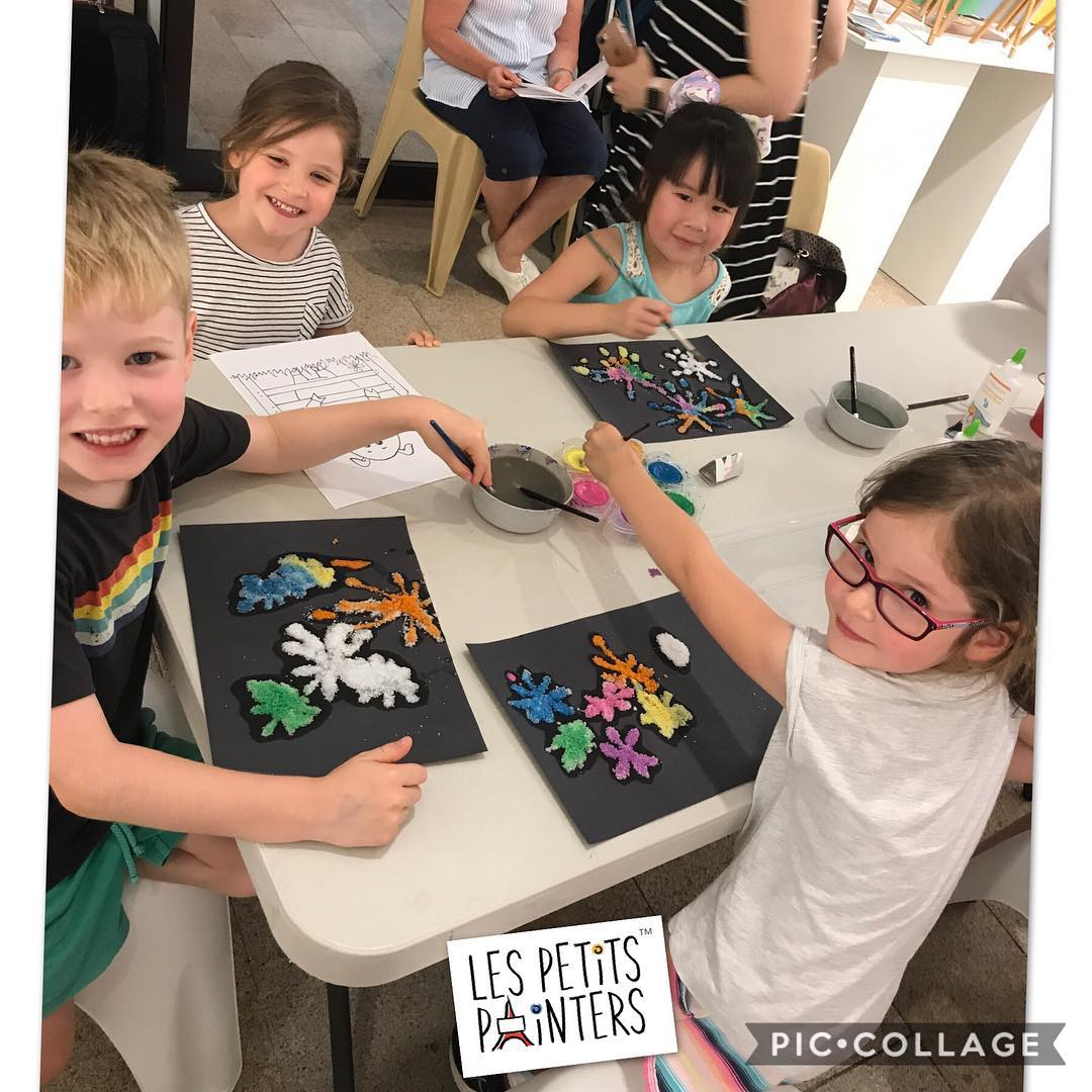 Day 1 of the Chatswood Family Festival, with fun kiddie arts and crafts activities by Les Petits Painters | Les Petits Painters offers painting, drawing, and art classes for kids in NSW | www.lespetitspainters.com.au