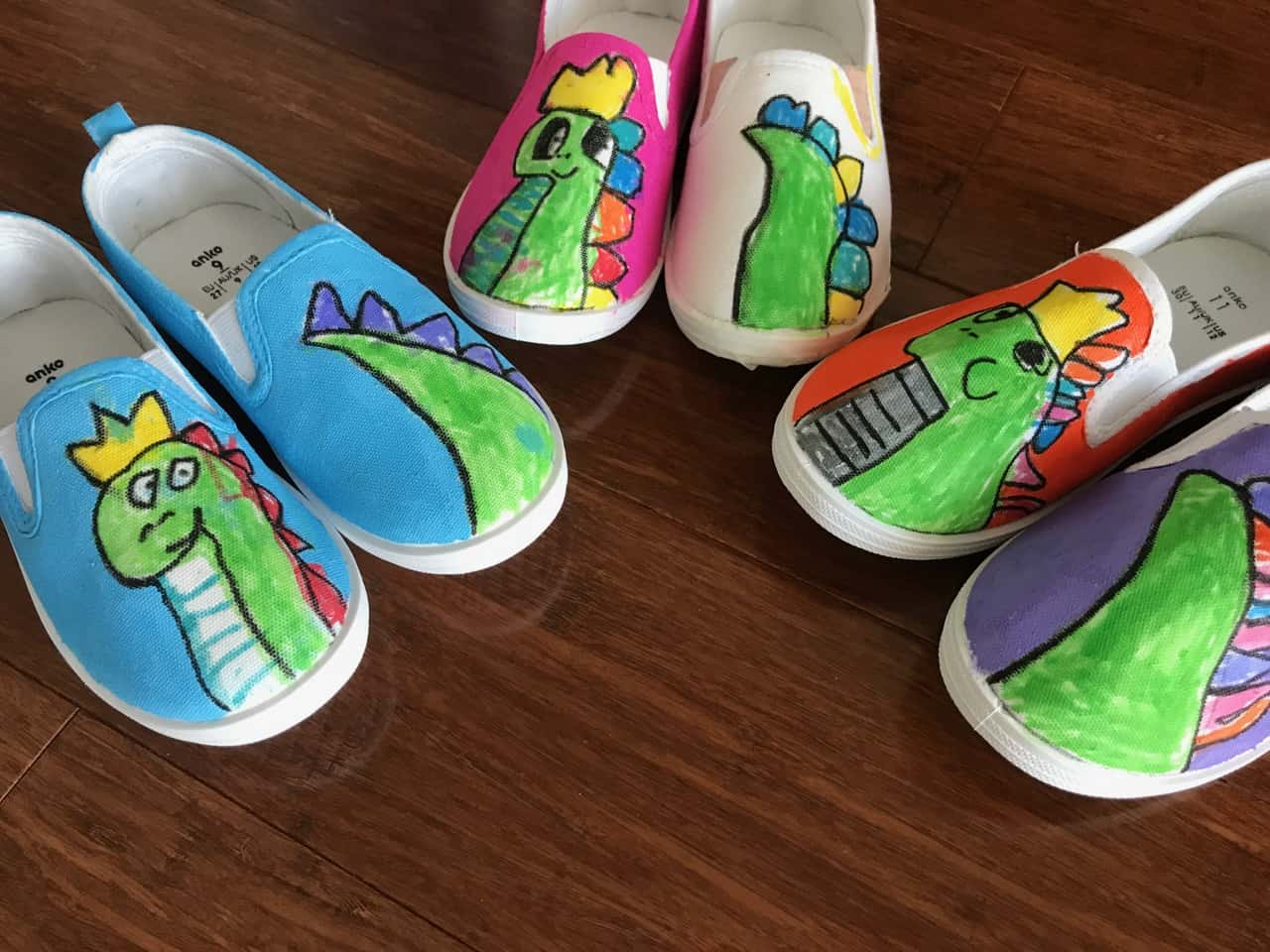 Les Petits Painters preschool arts and crafts, sneaker painting for kids, fabric paint and fabric markers, 3-5 year old kids and sneaker ideas, art school for kids